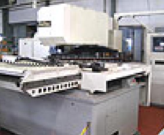 CNCタレットパンチプレス